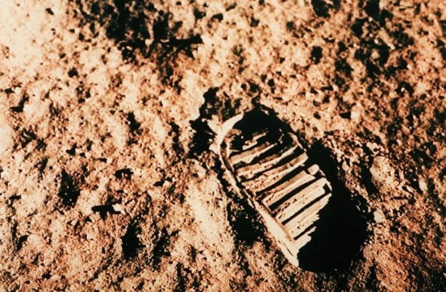 neil armstrong, premier pas sur la lune